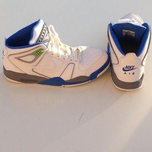 Nike Air Flight Falcon